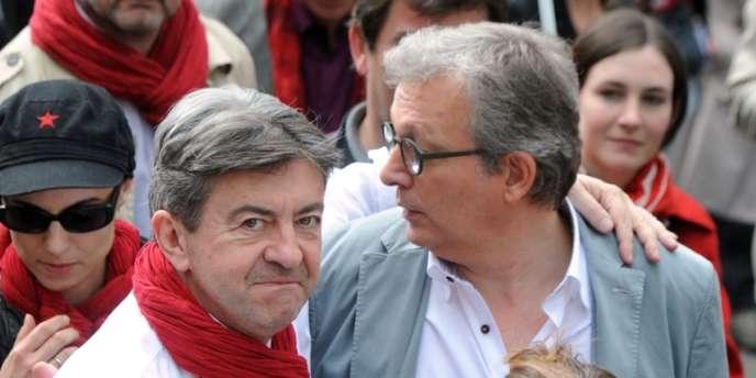 Jean-Luc Mélenchon, coprésident du Parti de gauche, et Pierre Laurent, secrétaire national du Parti communiste, le 5 mai à Paris.