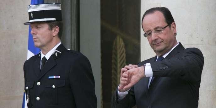 L'heure est à la rigueur touristique pour les collaborateurs du président. Lors du conseil mercredi 29 mai, M. Hollande a exhorté chaque membre du gouvernement à préparer des propositions en matière d'emploi. (Le président Hollande, le 28 mai à l'Elysée.)