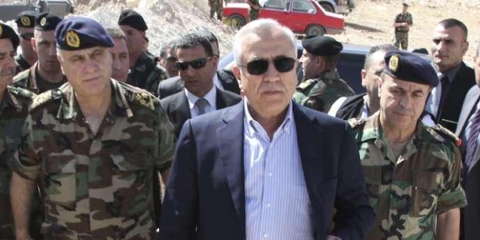 Les avions de combat israéliens violent régulièrement l'espace aérien libanais, notamment pour mener ces derniers mois des raids contre des cibles militaires en Syrie, ce qui n'est pas du goût du président libanais Michel Sleimane.