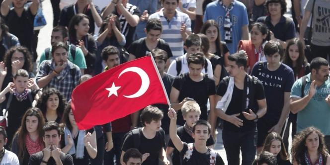 Manifestation sur la place Taksim à Istanbul, le 3 juin.