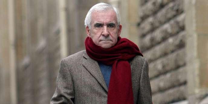 L'ancien directeur des Renseignements généraux, Yves Bertrand, a été retrouvé mort lundi 3 juin à son domicile parisien.