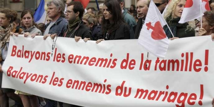 Cortège des catholiques intégristes proches de l'institut Civitas, lors de la manifestation contre le
