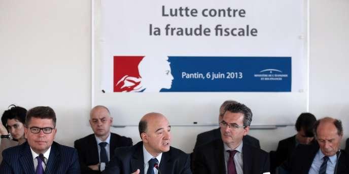 Pierre Moscovici en déplacement à Pantin (Seine-Saint-Denis) le 6 juin, sur le thème de la lutte contre la fraude fiscale.