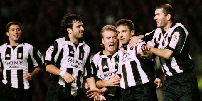 Les joueurs de la Juventus de Turin, dont Deschamps (au centre) et Zidane (à droite), le 1er octobre 1997.
