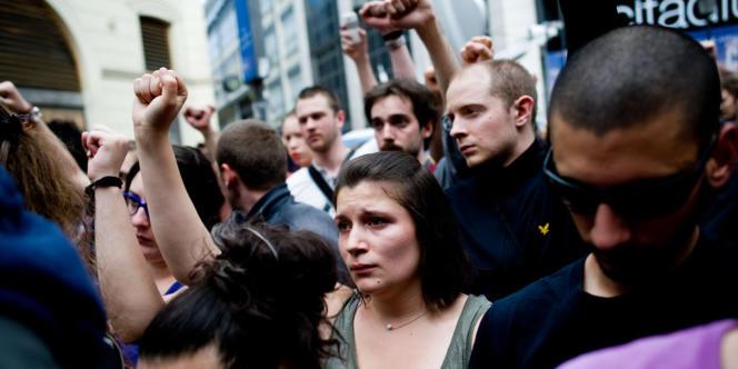 Rassemblement en hommage à Clément Méric, rue Caumartin, jeudi à Paris.