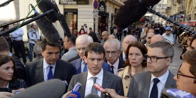 Manuel Valls s'est déplacé jeudi matin à l'endroit où le jeune militant antifascite a été agressé à Paris. Il a dit sa