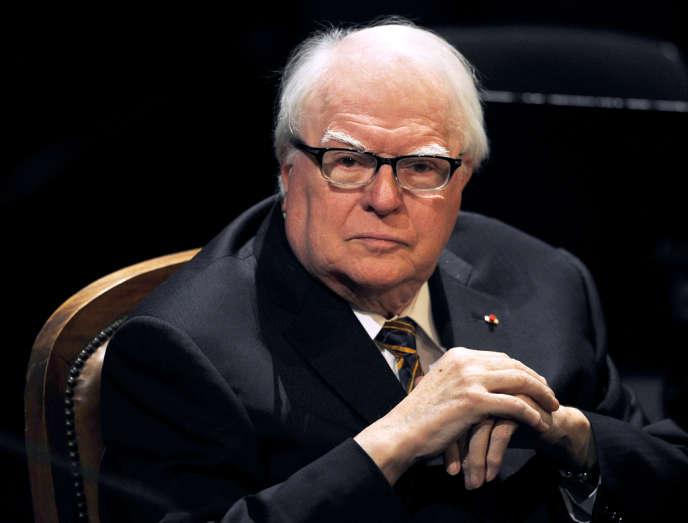 L'ancien premier ministre socialiste et ancien maire de Lille Pierre Mauroy est mort à l'âge de 84 ans.