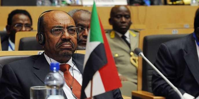 Le président soudanais, Omar El-Béchir, avait menacé le 27 mai de fermer les oléoducs par lesquels le Soudan du Sud veut exporter son pétrole si Jube apportait son soutien aux rebelles luttant contre Khartoum.