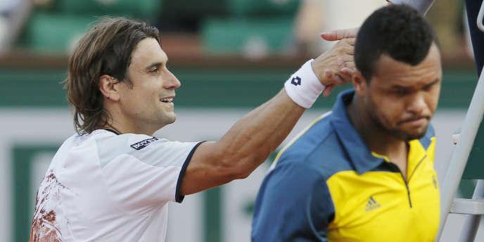 David ferrer s'est facilement débarrassé de Jo-Wilfried Tsonga en demi-finale des Internationaux de France, vendredi 7 juin.