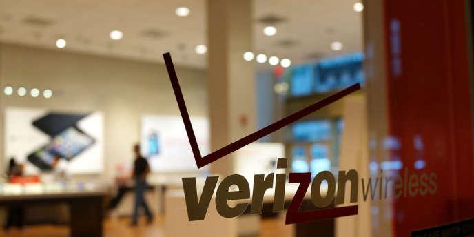 Google vient en effet de s'allier avec AT&T, Verizon et T-Mobile, qui détiennent près de 90% du marché de la téléphonie mobile aux Etats-Unis, pour développer le paiement mobile.