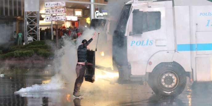 Manifestation à Ankara, le 8 juin.