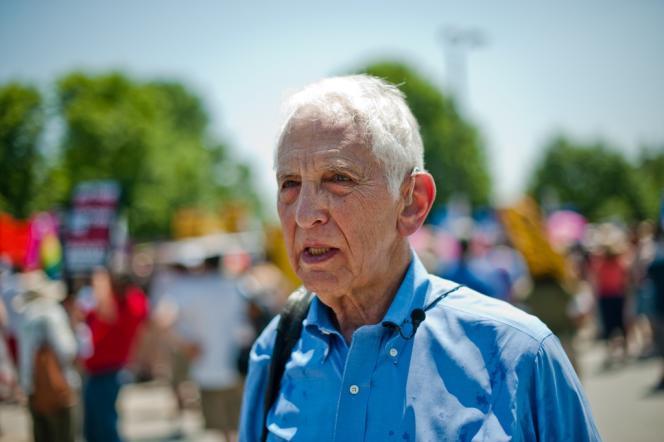 Daniel Ellsberg, au cours d'une manifestation de soutien à Bradley Manning, le 1er juin 2013
