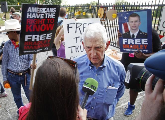 Daniel Ellsberg, lors d'une manifestation de soutien à Bradley Manning, le 1er juin devant Fort Meade, le siège de la NSA, dans le Maryland.
