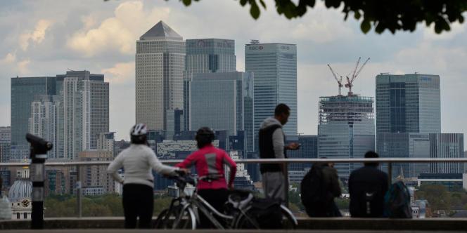 Le centre financier de Canary Wharf, vu depuis la rive sud de la Tamise.