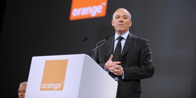 Stéphane Richard, le président-directeur général d'Orange, lors d'une conférence de presse le 28mai2013 à Paris.