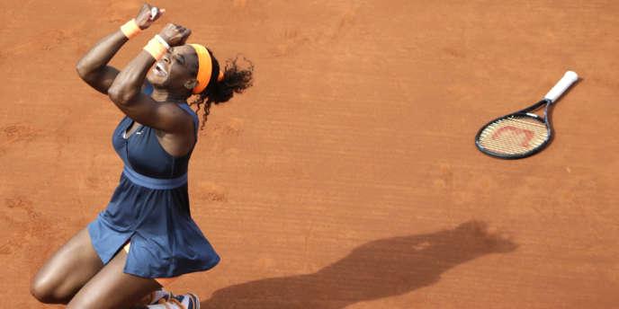 L'américaine Serena Williams juste après sa victoire sur la russe Maria Sharapova, à Roland Garros, le 8 juin.