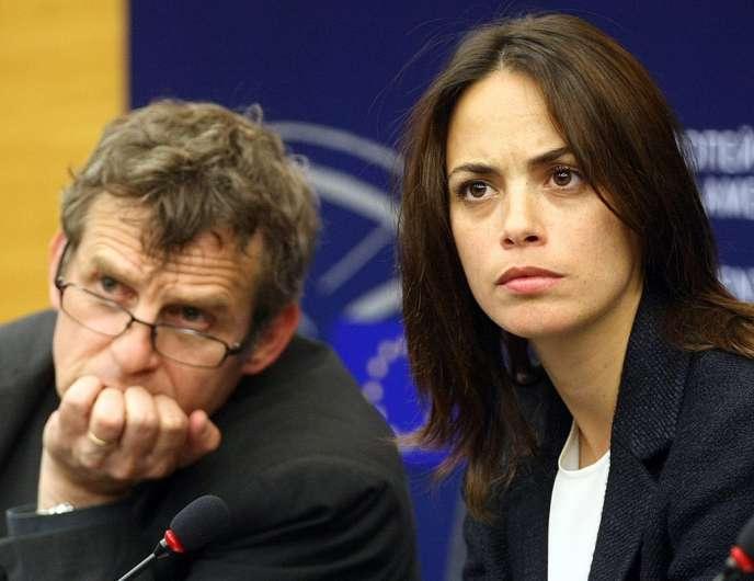 Lucas Belvaux et Bérénice Bejo lors de la réunion sur le libre-échange à Strasbourg, le 11 juin 2013.