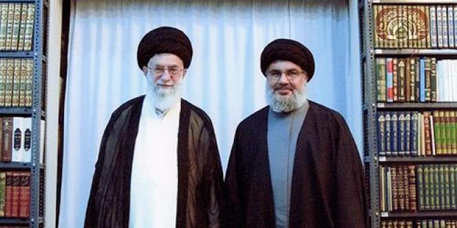 Photo extraite de la page Facebook d'Ali Khamenei. Il pose avec son ami Hassan Nasrallah (à droite), secrétaire général du Hezbollah.