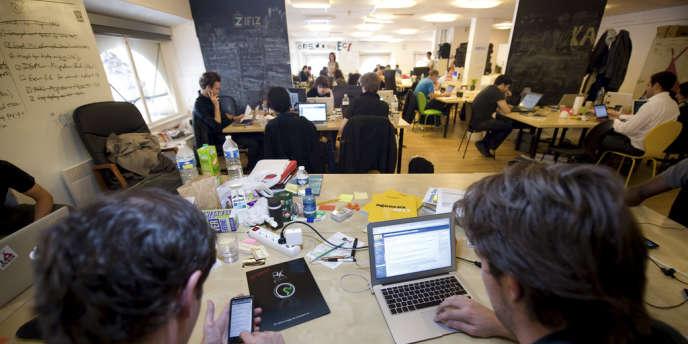 Kawet, une start-up spécialisée dans les applications mobiles, hébergée au palais Brongniart, à Paris.