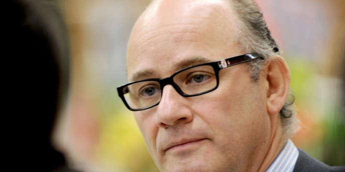 Arnaud Mulliez, fils de Gérard Mulliez président d'Auchan France discute, le 17 janvier 2011.