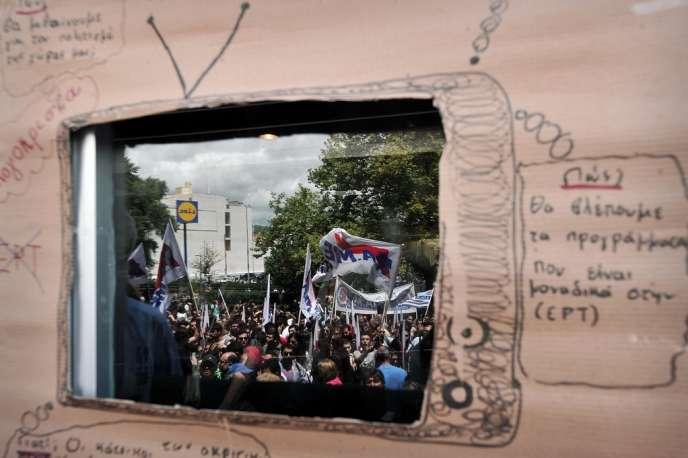 Près de 10 000 personnes ont répondu à l'appel des deux principaux syndicats grecs, jeudi, à Athènes.