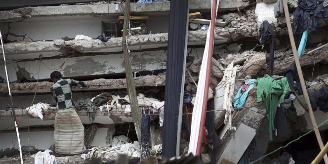 L'effondrement du Rana Plaza en avril 2013.