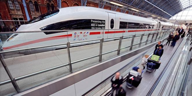 Un train Eurostar dans la gare Saint-Pancras à Londres, le 19 octobre 2010.
