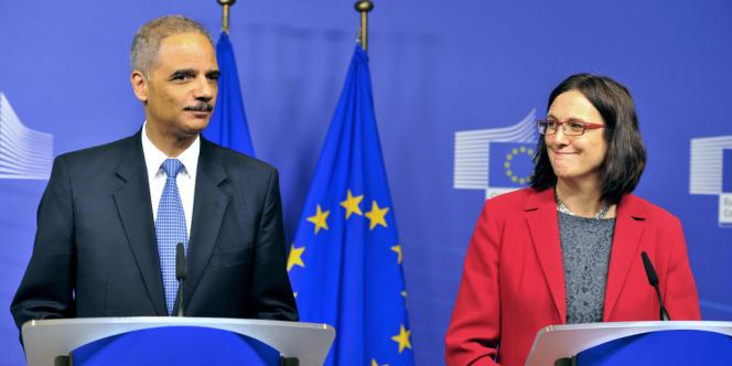 Eric Holder et Cecilia Malmström, le 5 décembre 2012 à Bruxelles.