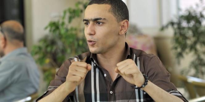 Le rappeur tunisien Aladine Yacoubi, alias Weld El 15, à l'ouverture de son procès, le 13 juin à Tunis.