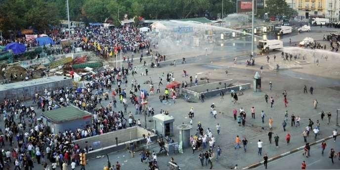 Le projet d'aménagement de la place Taksim à Istanbul a été suspendu par la justice.