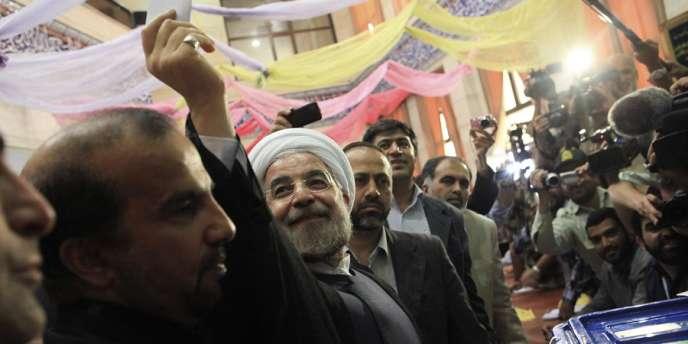 Hassan Rohani, le candidat modéré choisi par les réformateurs, arrive en tête de l'élection présidentielle en Iran.
