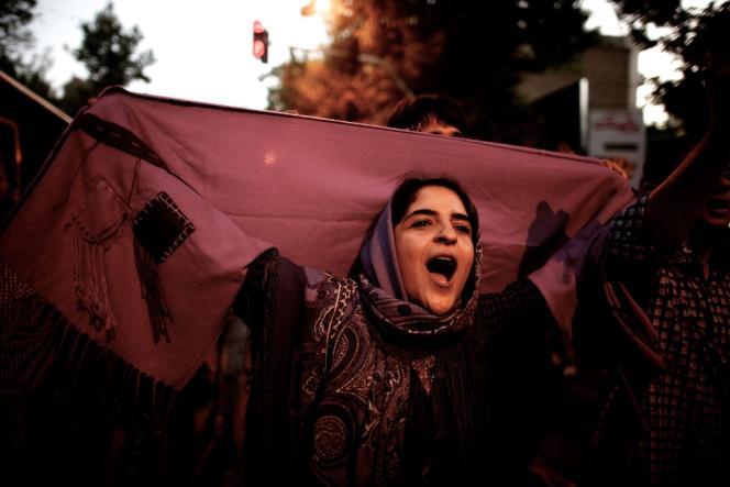 Sur l'avenue Vali-Asr à Téhéran, le 15 juin.