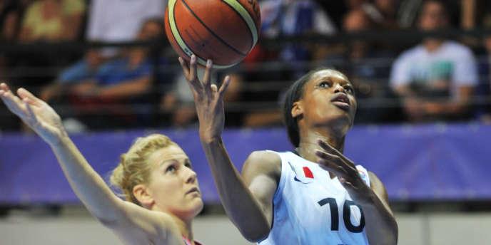 Valeriane Ayayi, qui dispute son premier tournoi international, n'a pas déçu son sélectionneur, Pierre Vincent, qui a misé sur elle. Trélazé, le 16 juin.