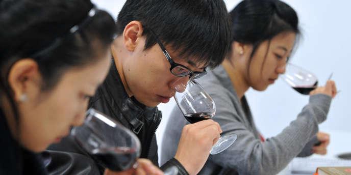 Étudiants chinois à Bordeaux, en octobre 2011.