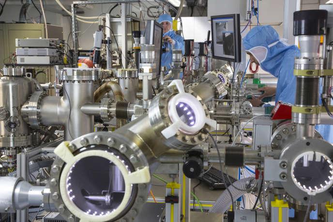 Au Picolab de Toulouse, une usine « nano » permet l'étude du dispositif à l'échelle du milliardième de mètre.