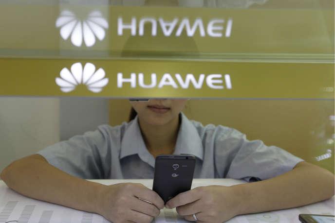 Le groupe de télécommunications espère créer 2 000 emplois dans l'Hexagone.