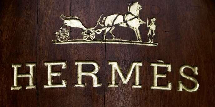 LVMH a accumulé 17 % du capital d'Hermès sans avoir à informer les autorités boursières du franchissement de plusieurs seuils réglementaires. Par la suite, le numéro un du luxe était monté à 22,6 % du capital.