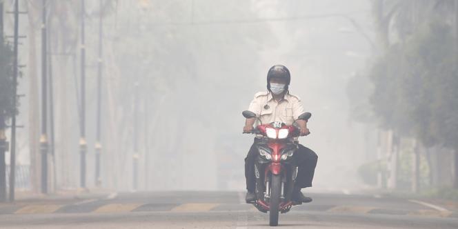 Ce niveau marque un record historique de pollution à Singapour, en augmentation constante depuis plusieurs jours.