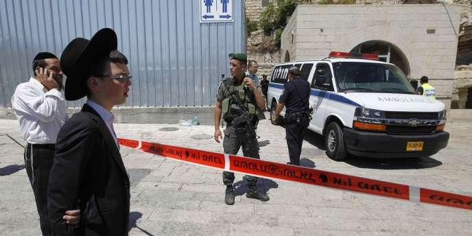 L'accès au mur des Lamentations a été fermé après la mort d'un visiteur juif sous les balles d'un garde israélien.