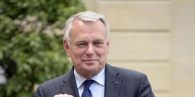Jean-Marc Ayrault a fixé vendredi l'objectif d'une entrée en formation de 30 000 demandeurs d'emploi supplémentaires