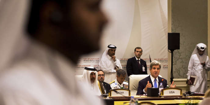 Les principaux pays soutenant l'opposition syrienne sont réunis samedi 22 juin à Doha pour coordonner leur aide logistique aux insurgés.