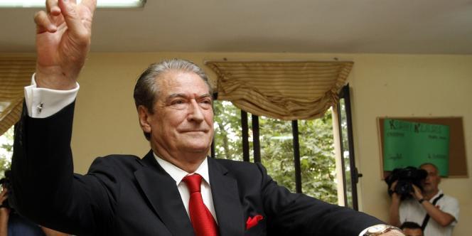 Le premier ministre libéral Sali Berisha a voté à Tirana, dimanche 23 juin.