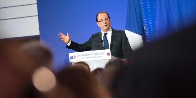 La cote de popularité de François Hollande a connu une rechute en juin, après une brève embellie le mois précédent.
