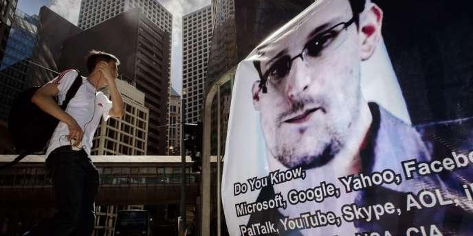 Un portrait d'Edward Snowden à Hongkong, le 18 juin.