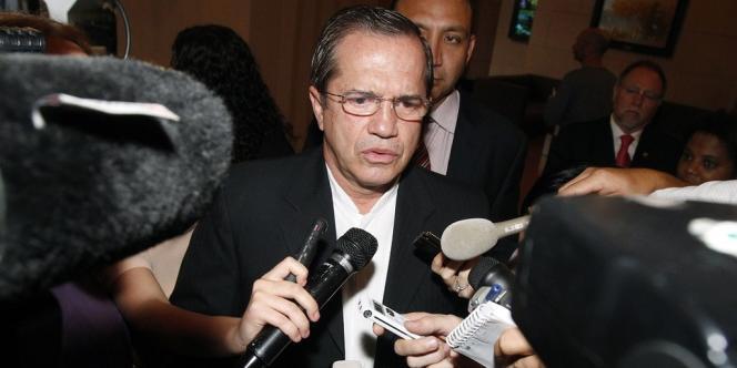 Le ministre des affaires étrangères équatorien Ricardo Patiño, à Hanoi, le 24 juin.