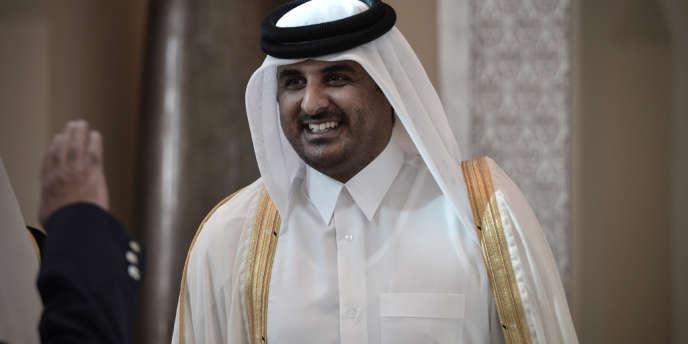 Le palais du Qatar a annoncé lundi soir que le prince héritier, cheikh Tamim Ben Hamad Al-Thani, allait être nommé émir et a appelé les citoyens à lui prêter allégeance.