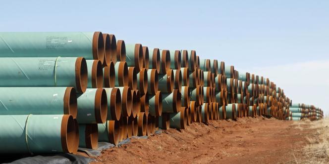 Des pipelines attendant d'être posés dans le cadre du projet d'oléoduc géant KeystoneXL, en 2012 à Ripley (Oklahoma).