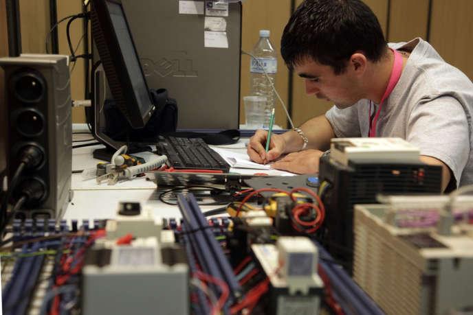 Un apprenti ingénieur à Brest.
