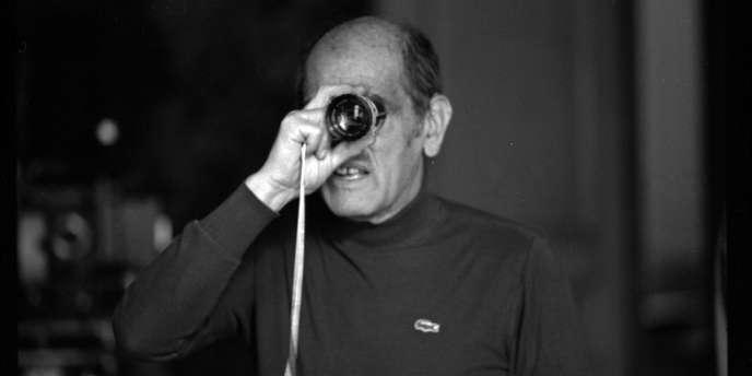 Arrivé à Paris en 1925, Luis Buñuel travailla, un an plus tard, comme assistant du réalisateur de Jean Epstein sur le film
