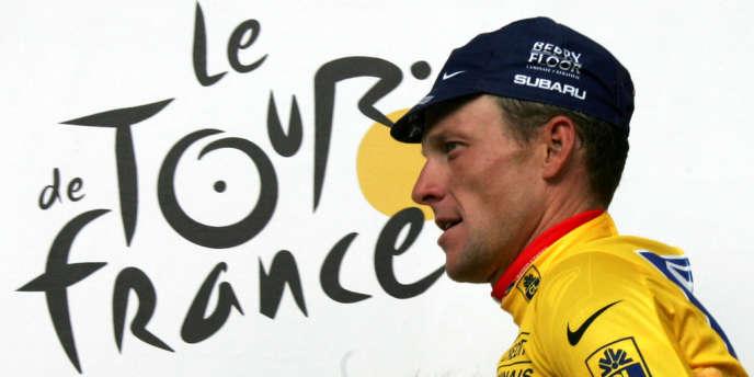 Lance Arsmtrong, le 21 juillet 2004 lors du Tour de France.